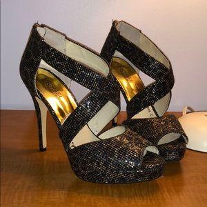 Michael Korda Black and Gold platform heels in 8M
